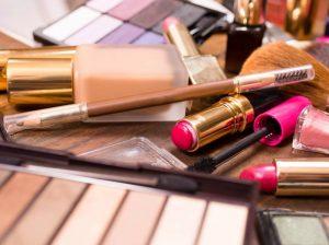 Началось рассмотрение срока действия СГР на косметику и парфюмерию